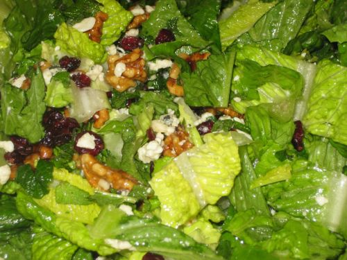 Recipe for Salad with Romaine, Mint, Dried Cranberries, Candied Walnuts, and Gorgonzola